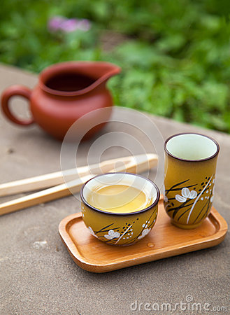 Free Traditional Chinese Oolong Tea Ceremony Accessories (tea Cups An Royalty Free Stock Images - 33433099