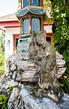 Free Traditional Chinese Style Statue In The Garden Decoration Stock Photo - 35083660