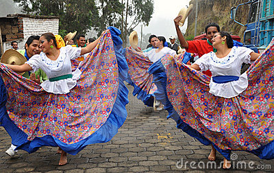 external image traditional-ecuadorian-dancers-17510439.jpg