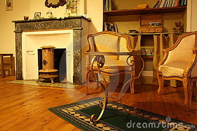 Traditional vintage living room