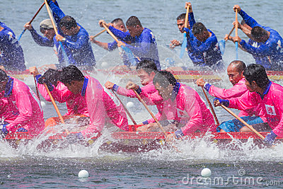 Traditional long boat racing at koa toa huahin 2013 Editorial Image