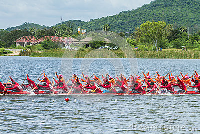 Traditional long boat racing at koa toa huahin 2013 Editorial Stock Photo