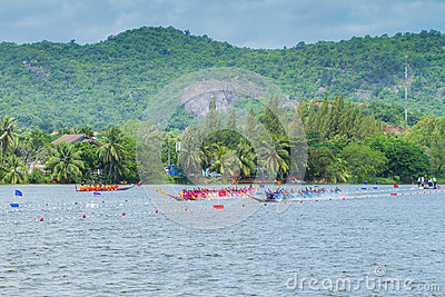 Traditional long boat racing at koa toa huahin 2013 Editorial Stock Image
