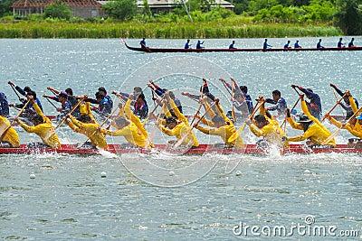 Traditional long boat racing koa toa huahin 2013 Editorial Stock Image