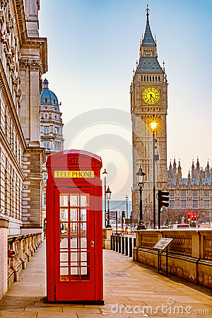 Free Traditional Red Phone Booth In London Stock Images - 89290474