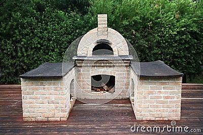 Im freien patio und pizzaofen stockfotografie bild 9348172 for Four pizza exterieur