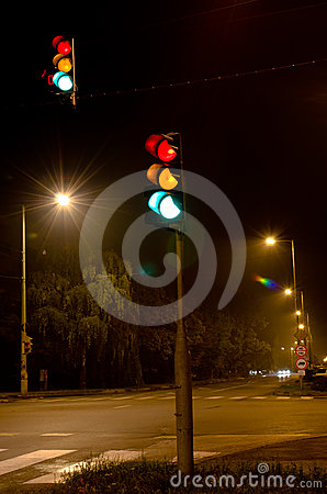 Traffic lights in the night