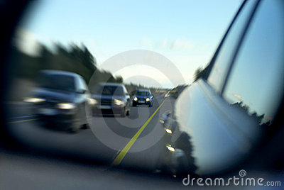 Traffic through rear mirror