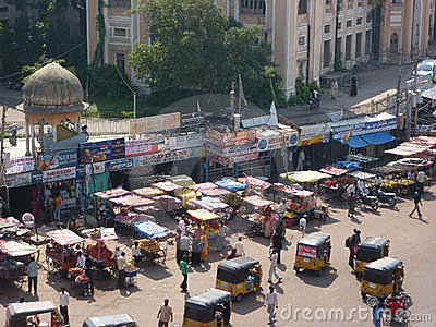 Traffic surrounds the Charminar Editorial Stock Image