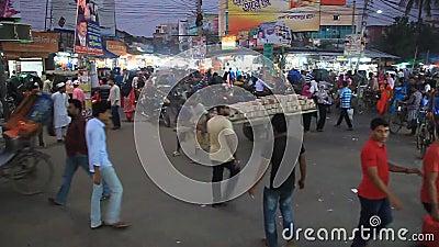 Traffico stradale a Khulna, Bangladesh stock footage