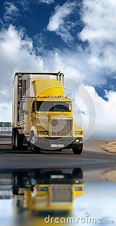 Trailer freight truck