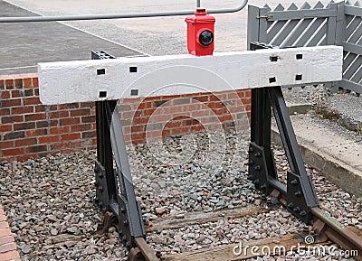 [Image: train-buffer-wooden-end-railway-track-42809315.jpg]