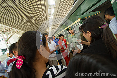 how to collect train tickets in china
