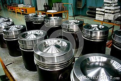 Train diesel engine pistons