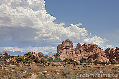 Train into everything or nothing at Arches, UT