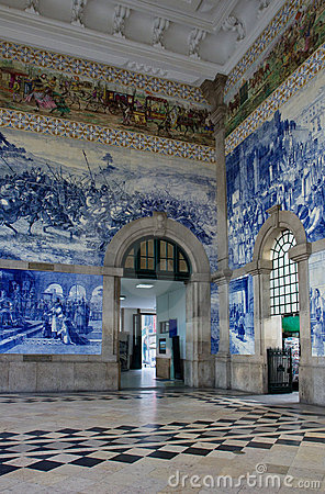 Free Train Station Of Porto, Portugal Royalty Free Stock Image - 23003596