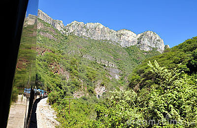 Train towards the Copper Canyon