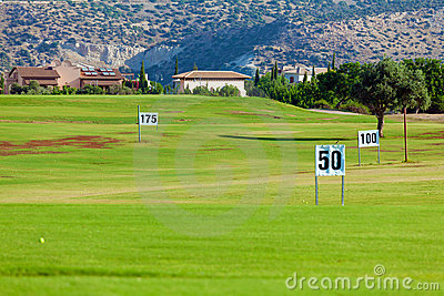 Training golf field for range shots