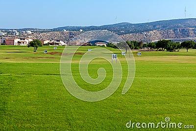 Training golf field for range shots