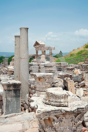 Trajan基础在以弗所,土耳其