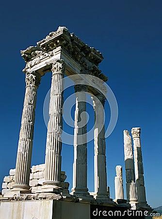 Free Trajan S Temple, Pergamon Royalty Free Stock Photo - 2060005