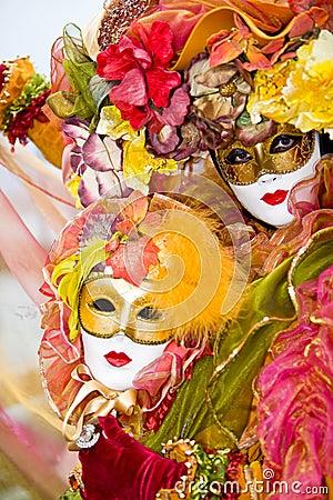 Traje veneciano colorido