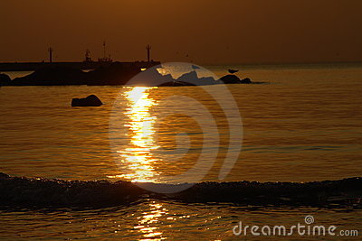 Tramonto e siluette dell oceano