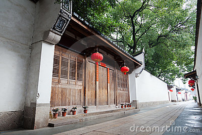 Tranquil Chinese traditional alley.