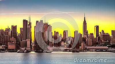 Transizioni di Manhattan di Midtown a partire dalla notte al giorno stock footage
