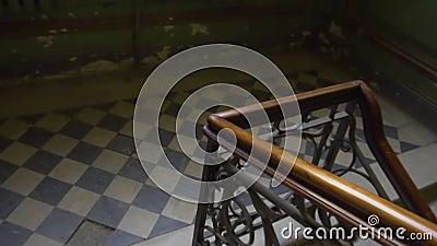 Traptraliewerk Oud retro uitstekend huis 19de eeuw St. Petersburg stock videobeelden