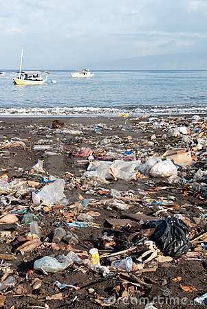 Trash on a polluted beach