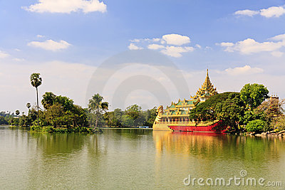 Travel Asia: Karaweik palace in Yangon, Myanmar