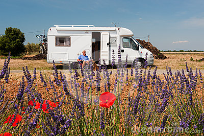 Travel by mobile home