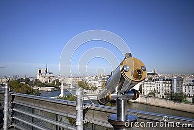 Travel telescope in Paris