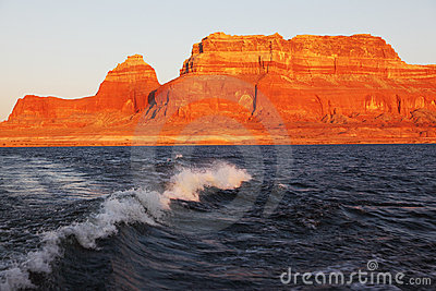 Travel voyage by boat on Lake Powell