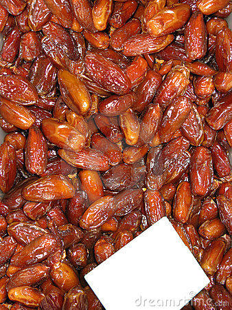 A tray filled with dry dates (tamaras)