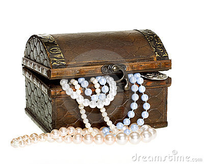 Treasure Chest, Pearls, Gold Coin CLIPPING PATH