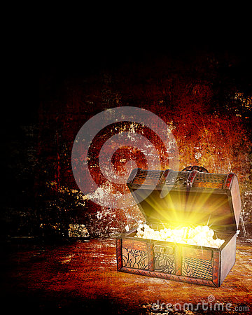 Free Treasure Chest With Jewelry Inside Stock Image - 28961451