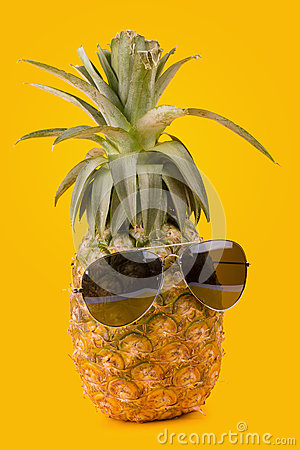 Free Trendy Glasses Summer Pineapple Wearing Hipster Style On Yellow Stock Photography - 89149312