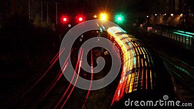 Trenes en Londres, Inglaterra almacen de metraje de vídeo