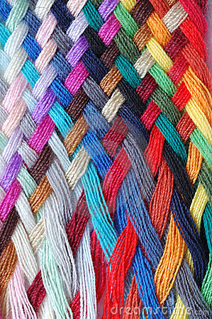 Trenza multicolora de las lanas