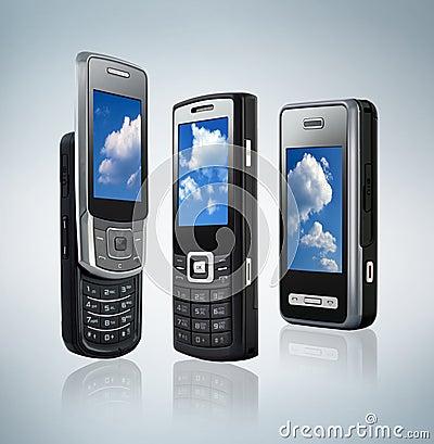 Tres diversos tipos de teléfonos móviles