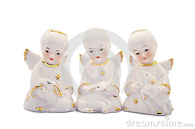 Tres ángeles de la porcelana