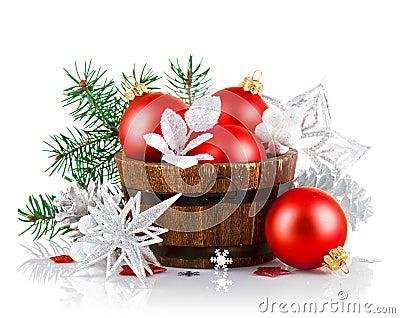 Tresse de no l avec le sapin de branche et les boules rouges photographie stock image 33225222 - Le sapin a les boules ...