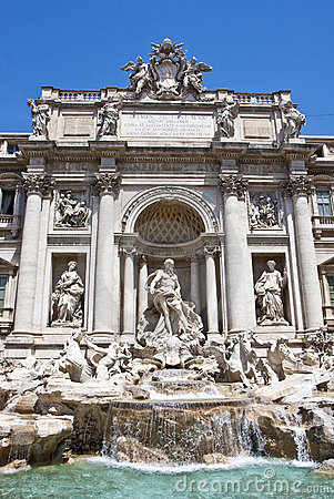 Trevi Fountain Close