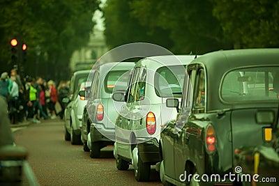 Tráfico auto en la ciudad de Lonon