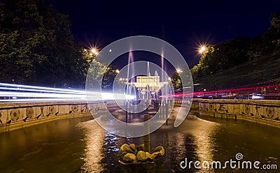 Tráfico de la noche de Bucarest