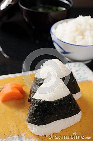 Triangle onigiri