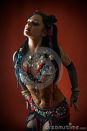 Free Tribal Dancer In Dark Royalty Free Stock Photography - 8782517