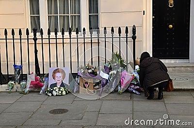Tribute zum ex britischen Hauptmünster Margret Thatcher Who Died L Redaktionelles Bild